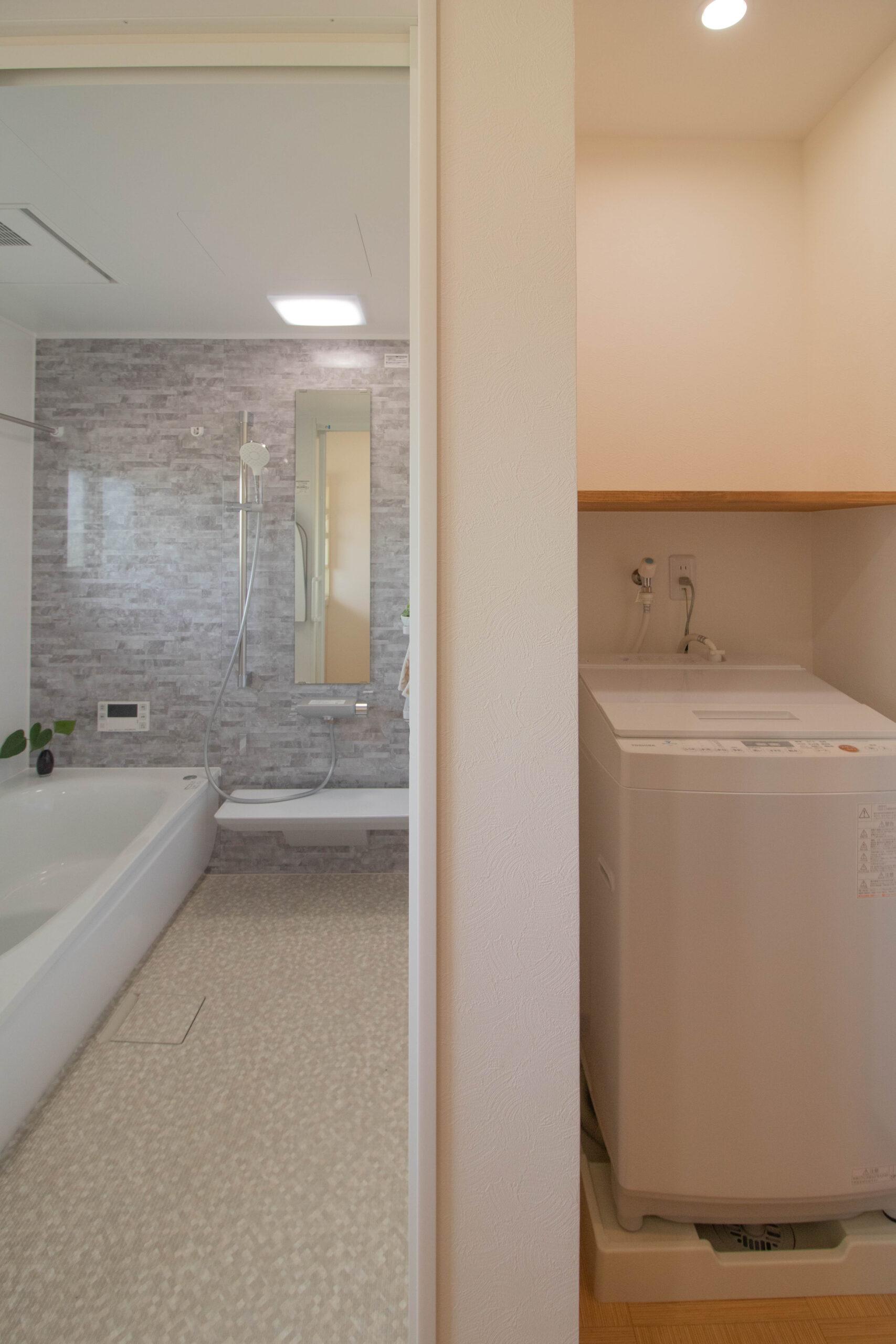 佐賀市巨勢町 S様 浴室・脱衣所改修工事『温泉気分を楽しめるほっこり空間』