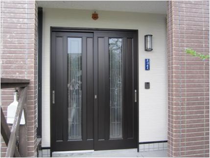 玄関ドアの改修